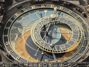 Relógio numa torre em Praga - Click to enlarge